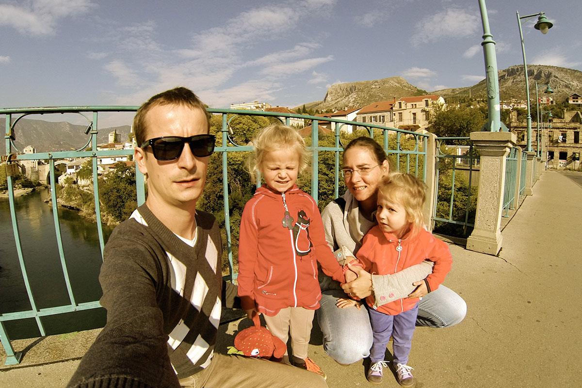 Víťa Válka s rodinkou v Mostaru